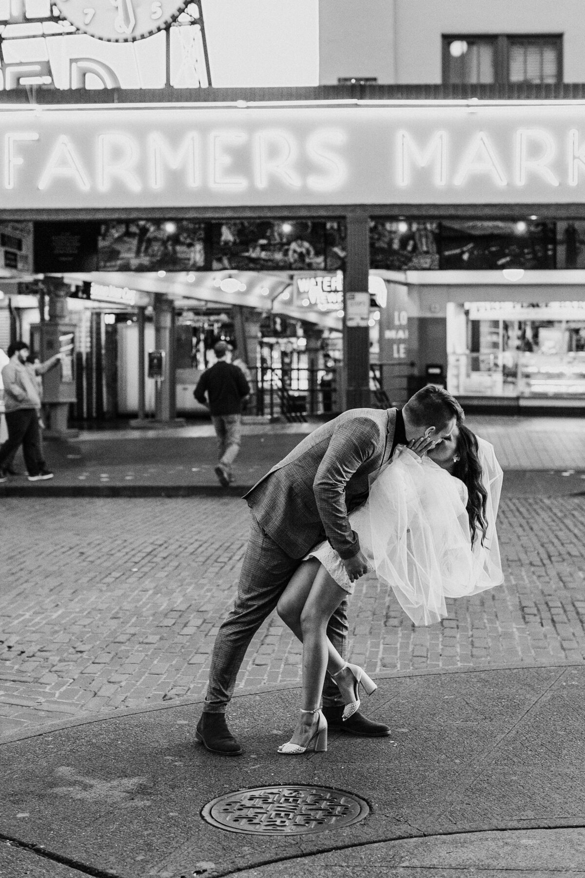 Pike-Place-Elopement_0022