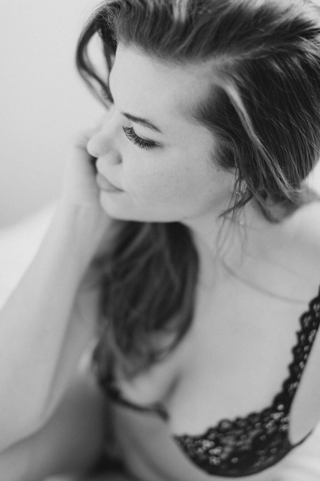 audra-jones-photography-carolyn-boudoir-charlottesville-45