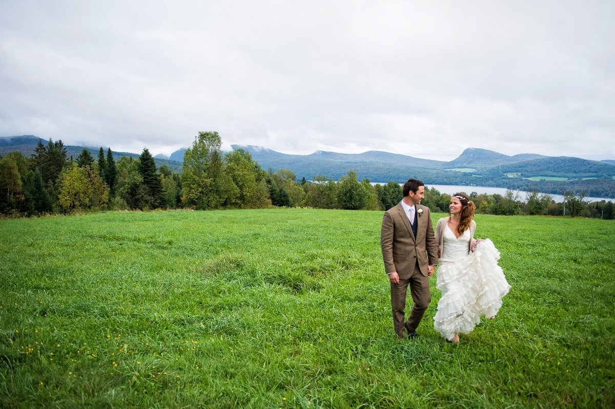 romantic wedding photos in Vermont