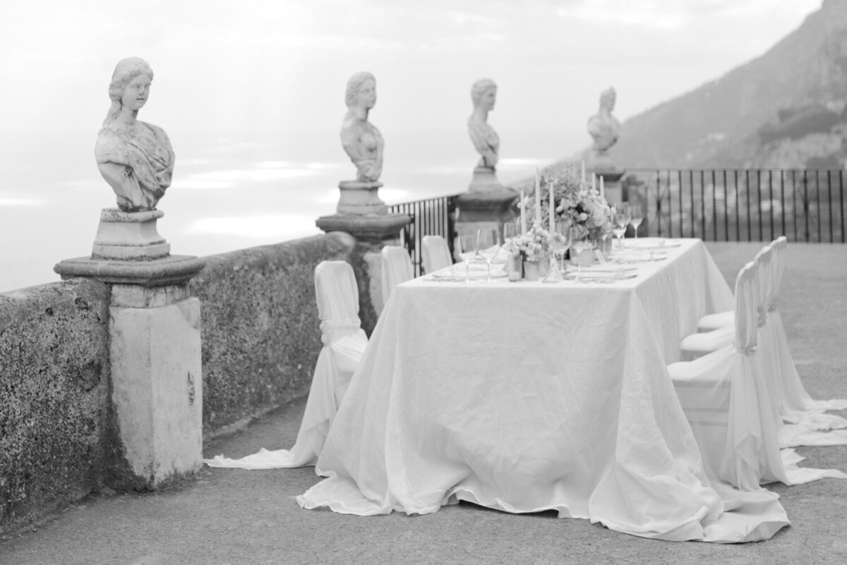 012_Villa_Cimbrone_Amalfi_Coast_Luxury_Wedding_Photographer (12 von 101)_Flora and Grace is a luxury wedding photographer at the Amalfi Coast. Discover their elegant and stylish photography work at the Villa Cimbrone.