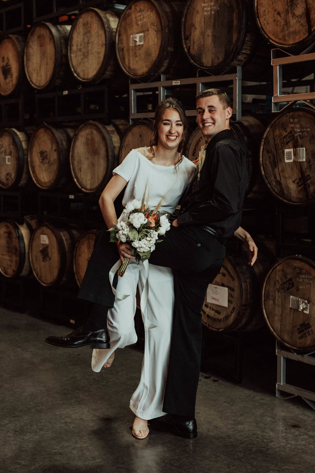 wedding-barrels-brewery-elopement-chicago-il-11