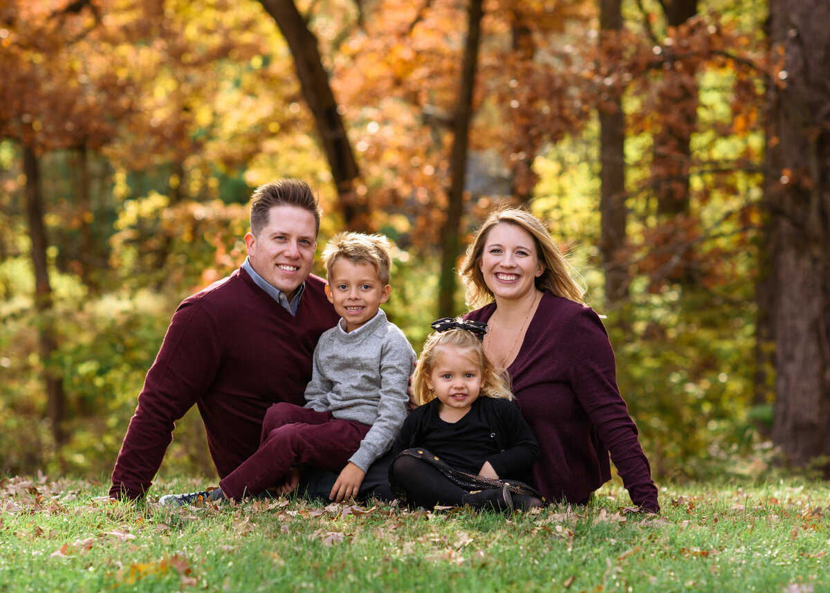 Des-Moines-Iowa-Family-Photographer-Theresa-Schumacher-Photography-Fall-Young-Family