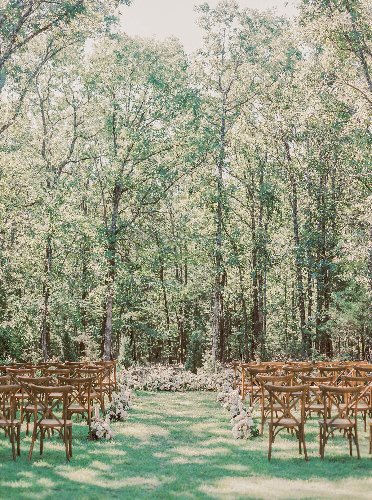 White Sparrow Barn_Lindsay and Scott_Madeline Trent Photography-0005