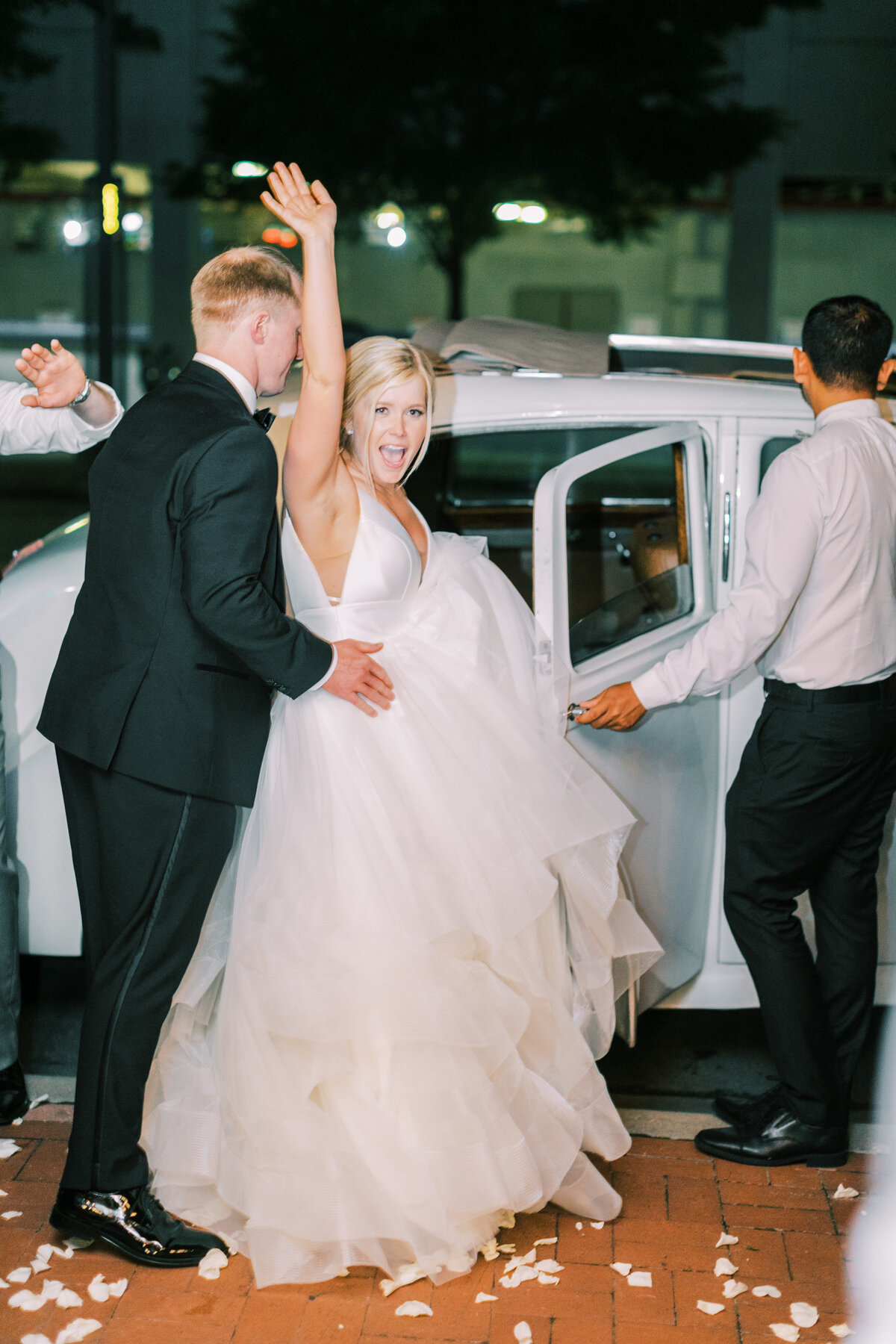 Classic Dallas Wedding at the Room on Main (41)