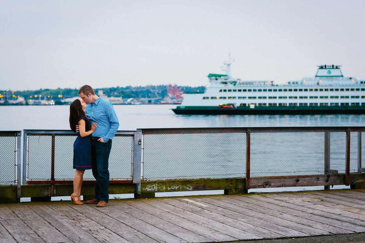 seattle ferry engagement photographer washignton