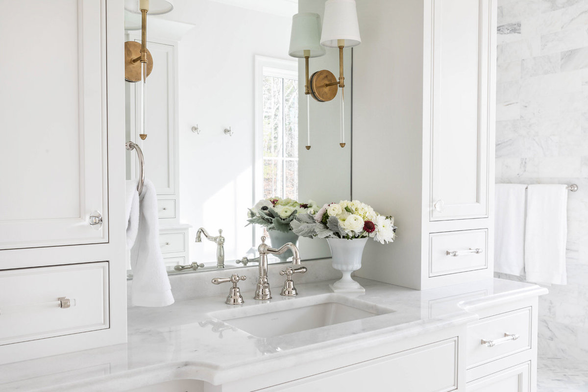 White-Carrara-Marble-Master-Bathroom-with-Soaking-Tub-7