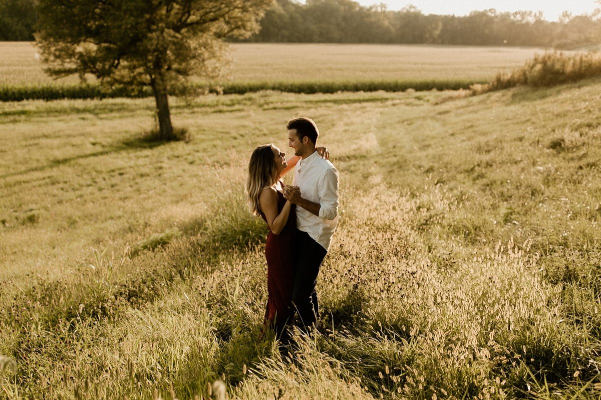 megan-renee-photography-jays-tree-farm-engagement-session-emma-andrew-8