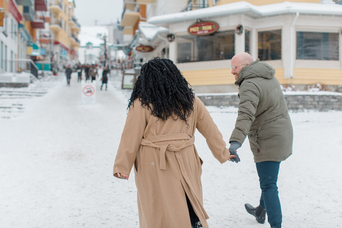 tremblant-winter-mountainside-engagement-session-grey-loft-studio-tremblant-village-49