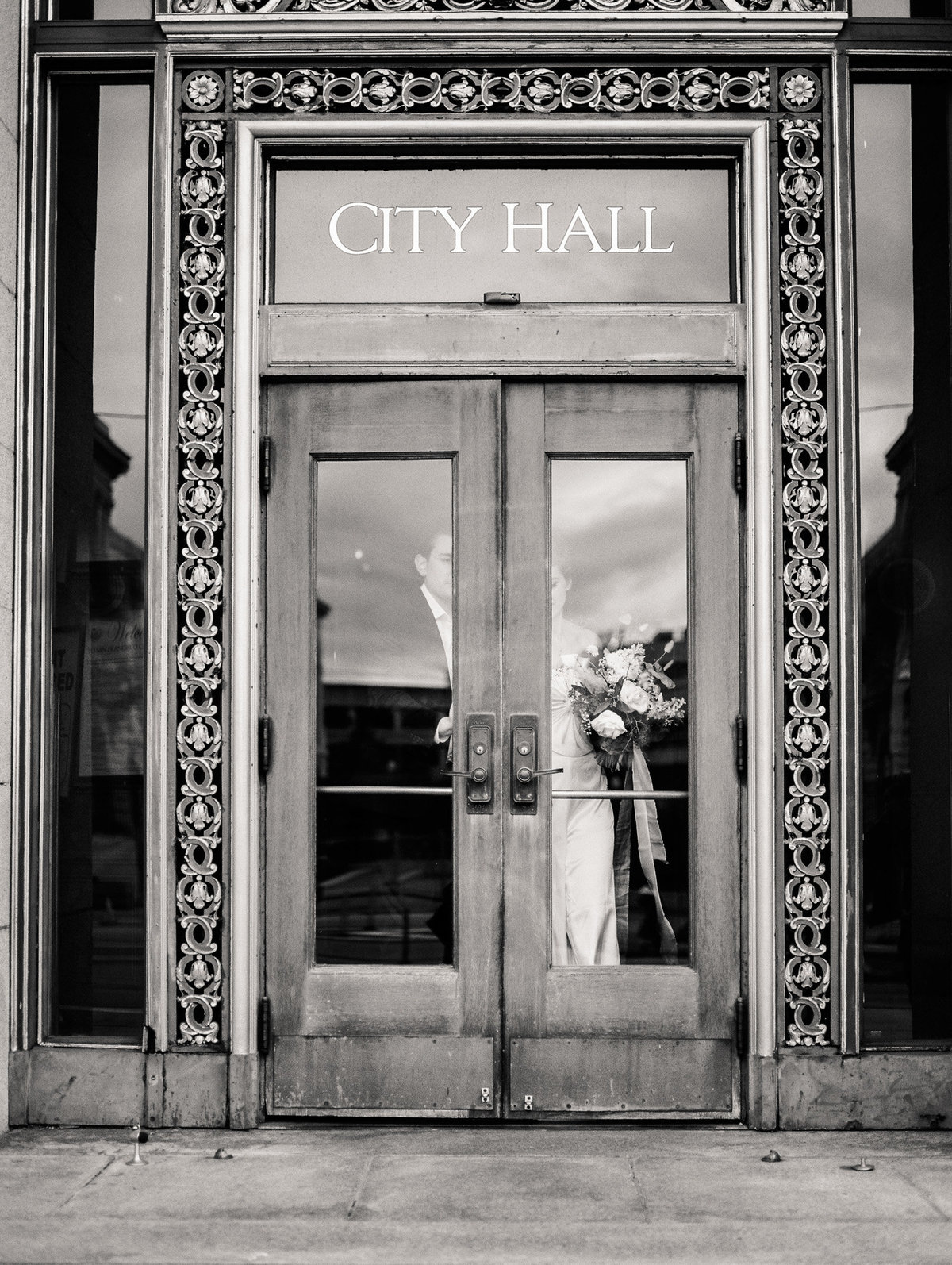 SanFranciscoCityHallWeddingPhotographer_SanFranciscoCityHallWedding_2019-Andrew_and_Ada_Photography-586