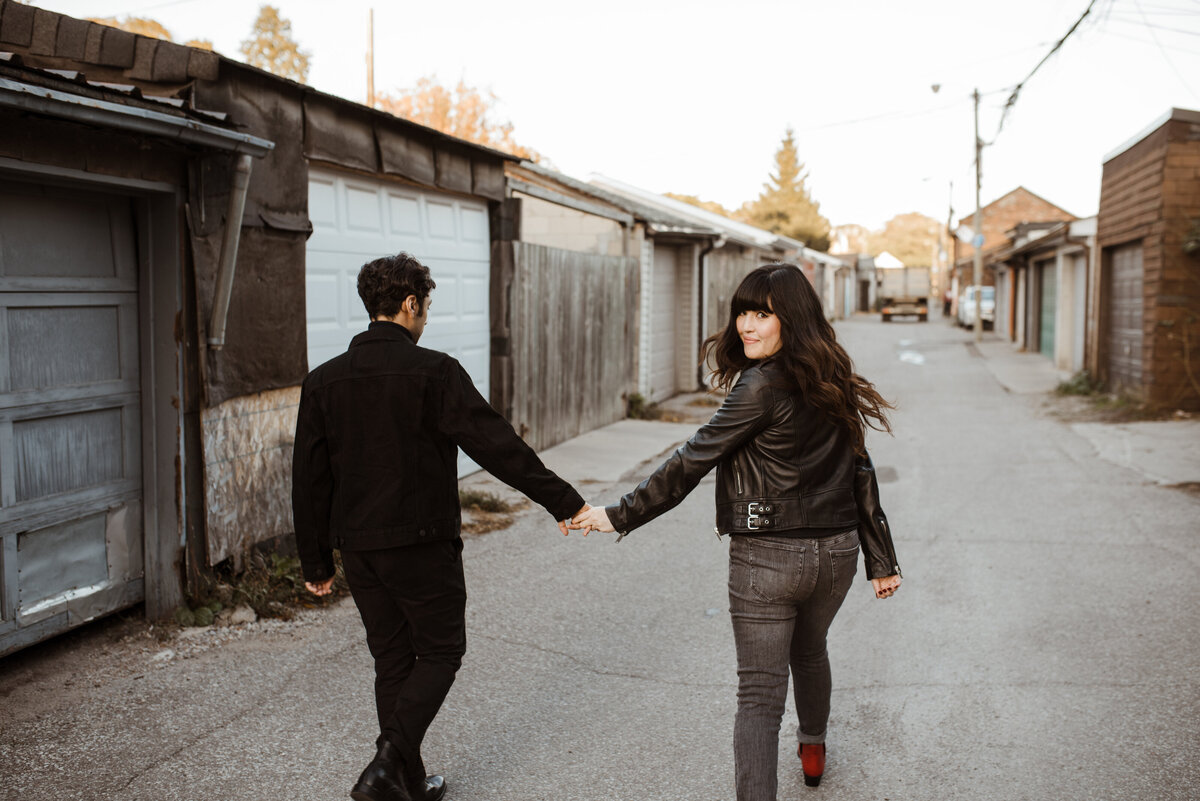 toronto-engagement-urban-alleyway-fun-editorial-moody-wedding-photography-04