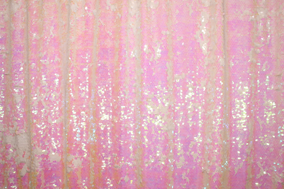 Pearl-ReversibleSequin-Backdrop-BananaWho-01