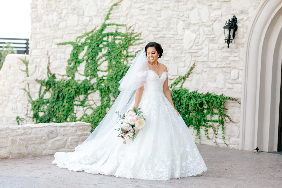 Jasmine & Josh Wedding at Knotting Hill Place | Dallas DFW Wedding Photographer | Sami Kathryn Photography-45