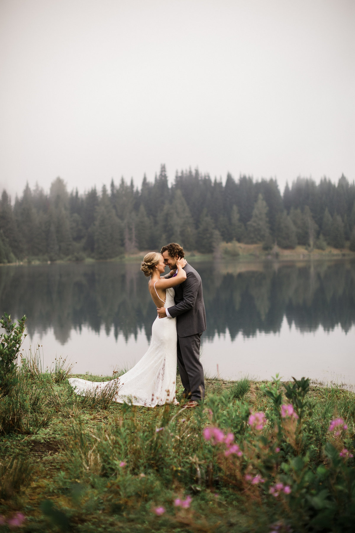 Snoqualmie-Pass-Elopement-Gold-Creek-Pond-44