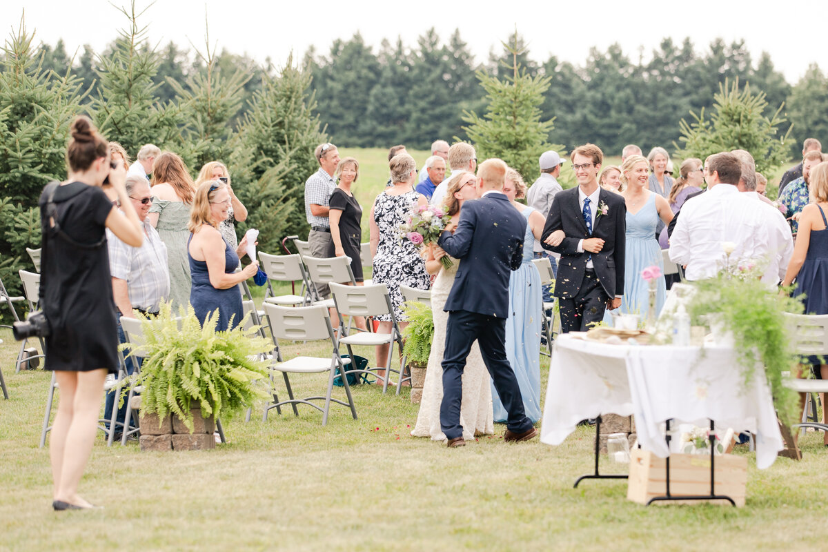 wedding party at ivey park in london ontario