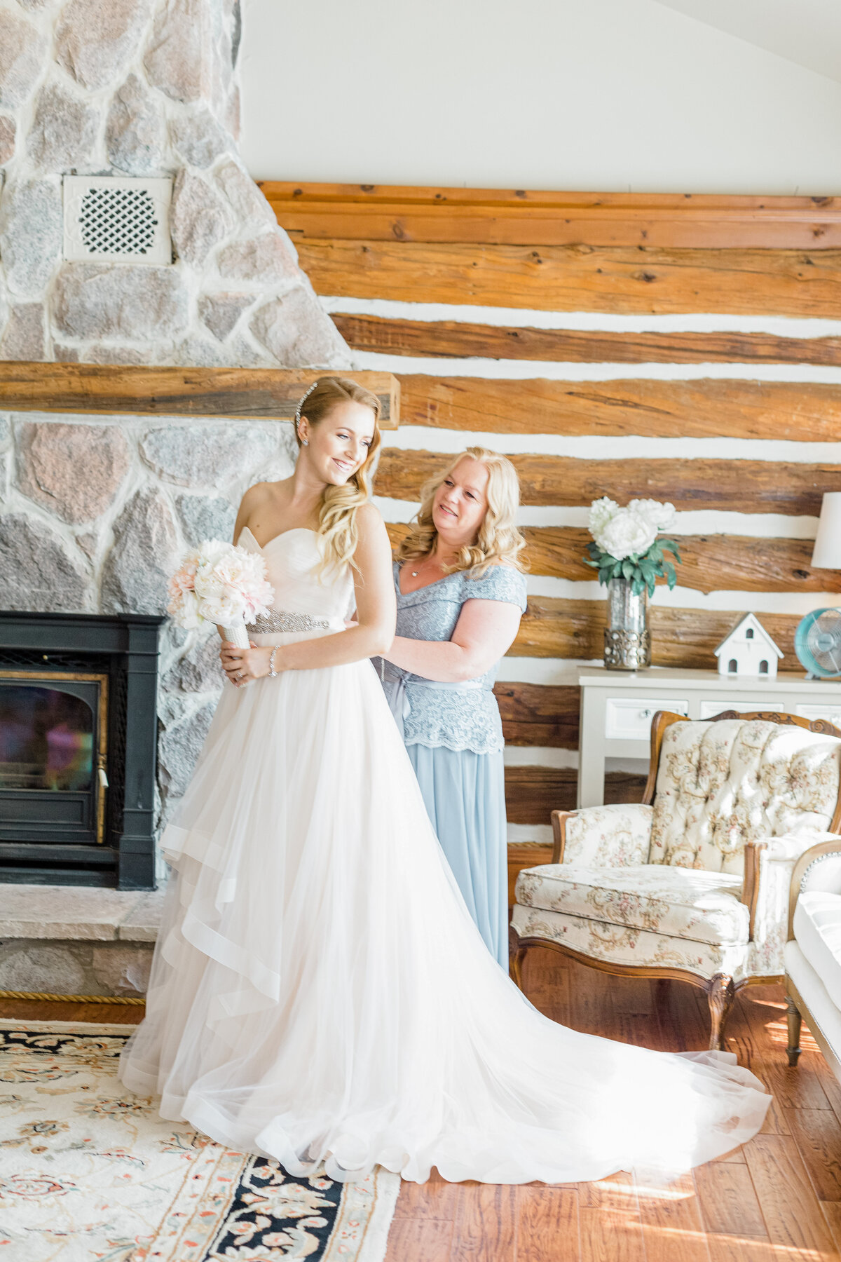Stonefields-weddings-events-beckwith-wedding-light-airy-grey-loft-studio-28