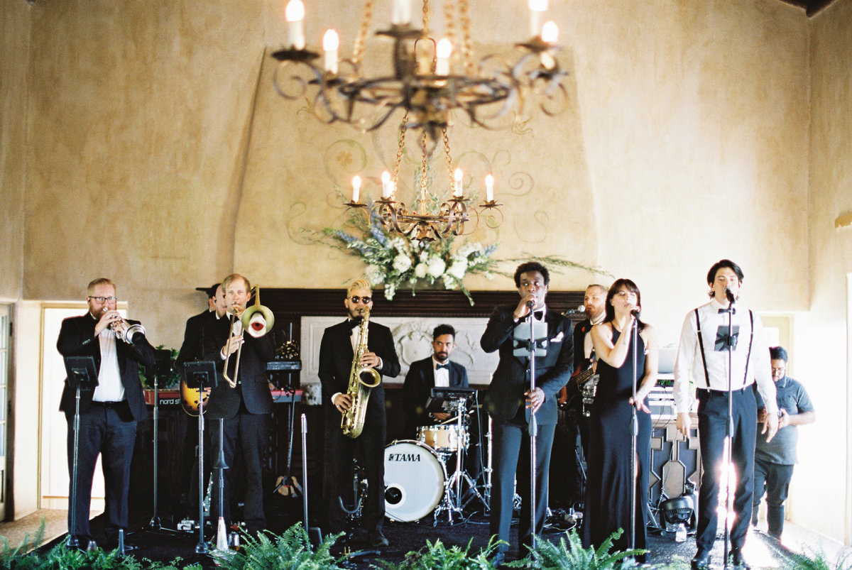 California Wedding Band
