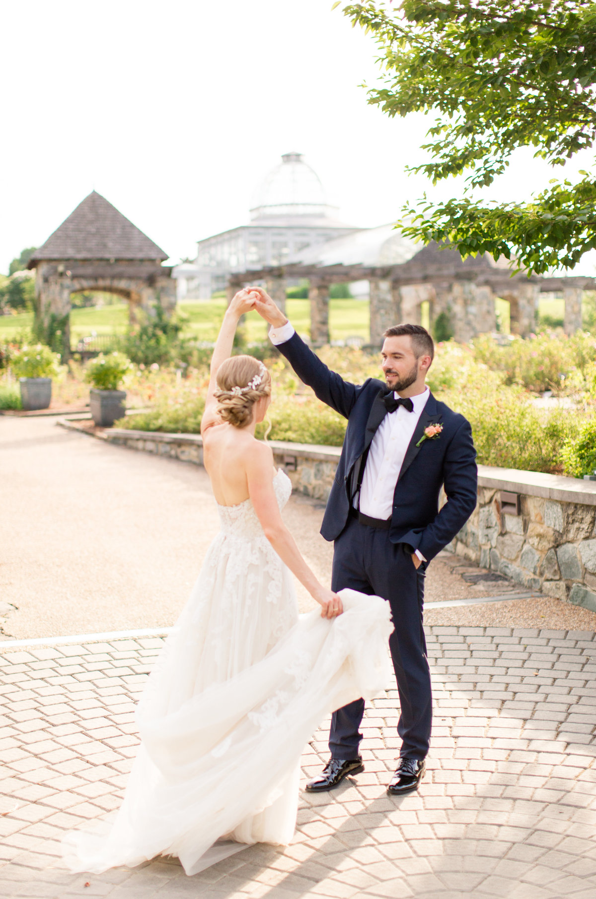 Lewis Ginter Botanical Garden wedding by Marie Hamilton Photography