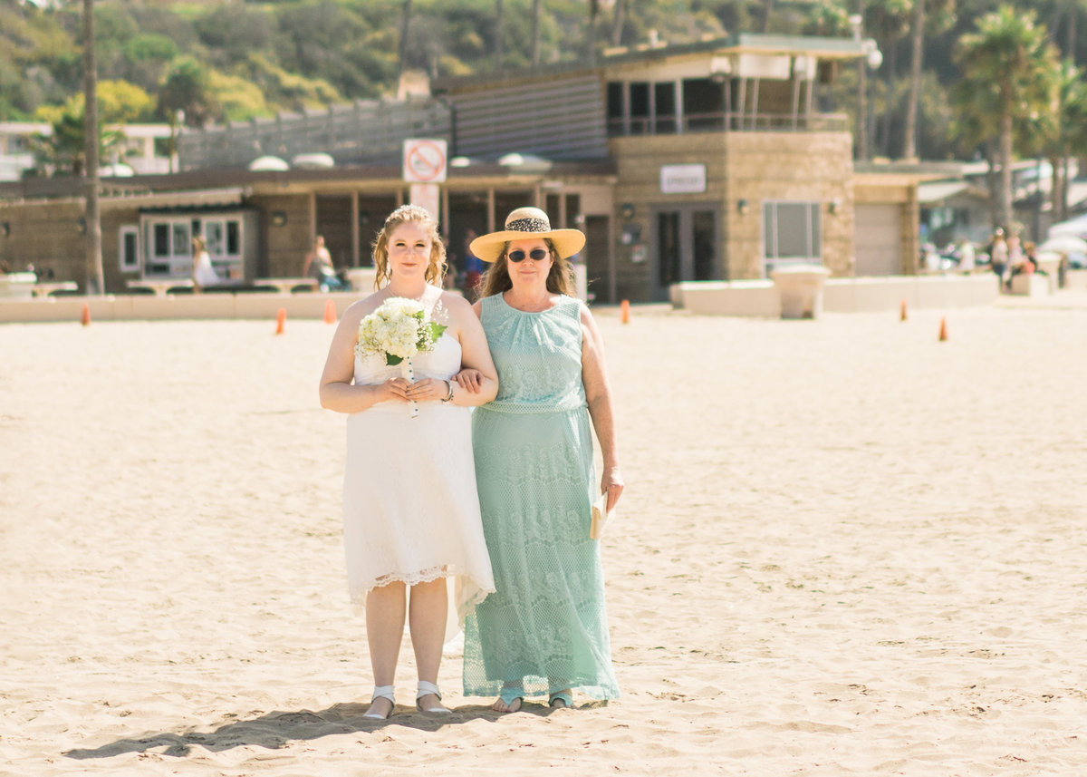 JamieBrownPhotographyBeachElopement-15_mini