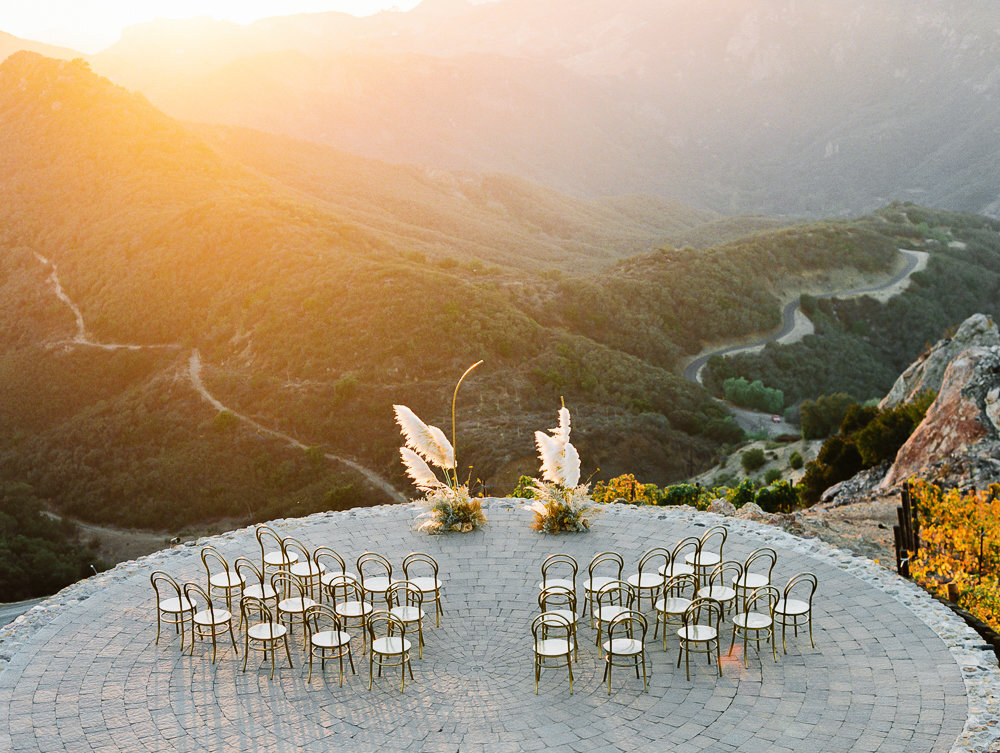 Babsie-Ly-Photography-Malibu-Rocky-Oaks-Modern-Dream-Wedding-Amorology-032
