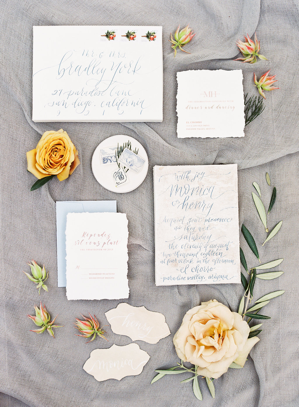 wedding-invitation-flatlay