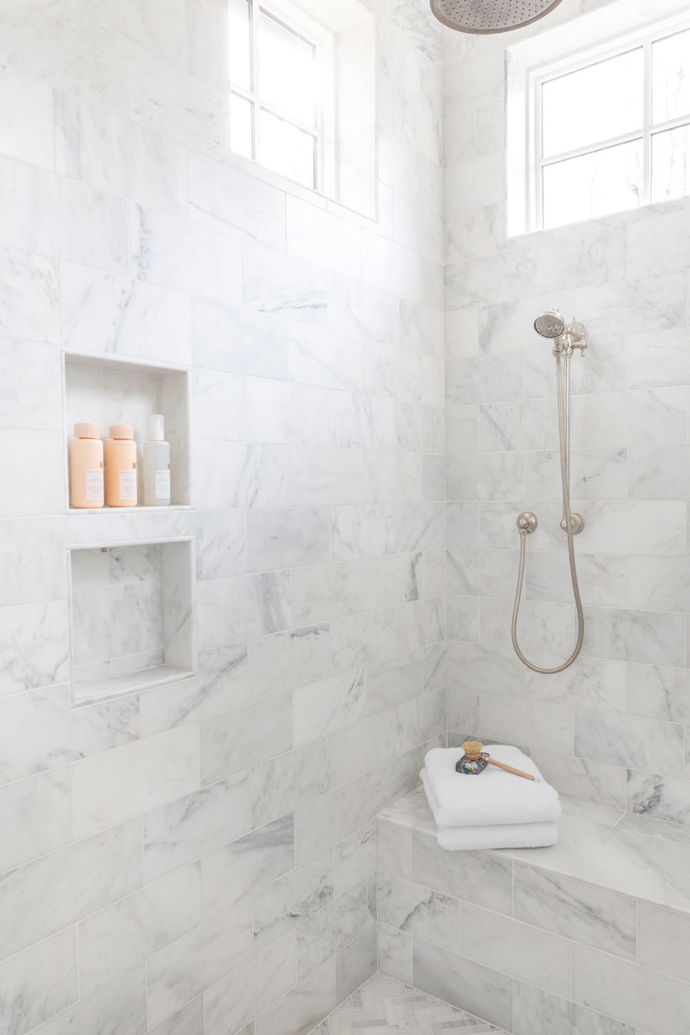 White-Carrara-Marble-Master-Bathroom-with-Soaking-Tub-5