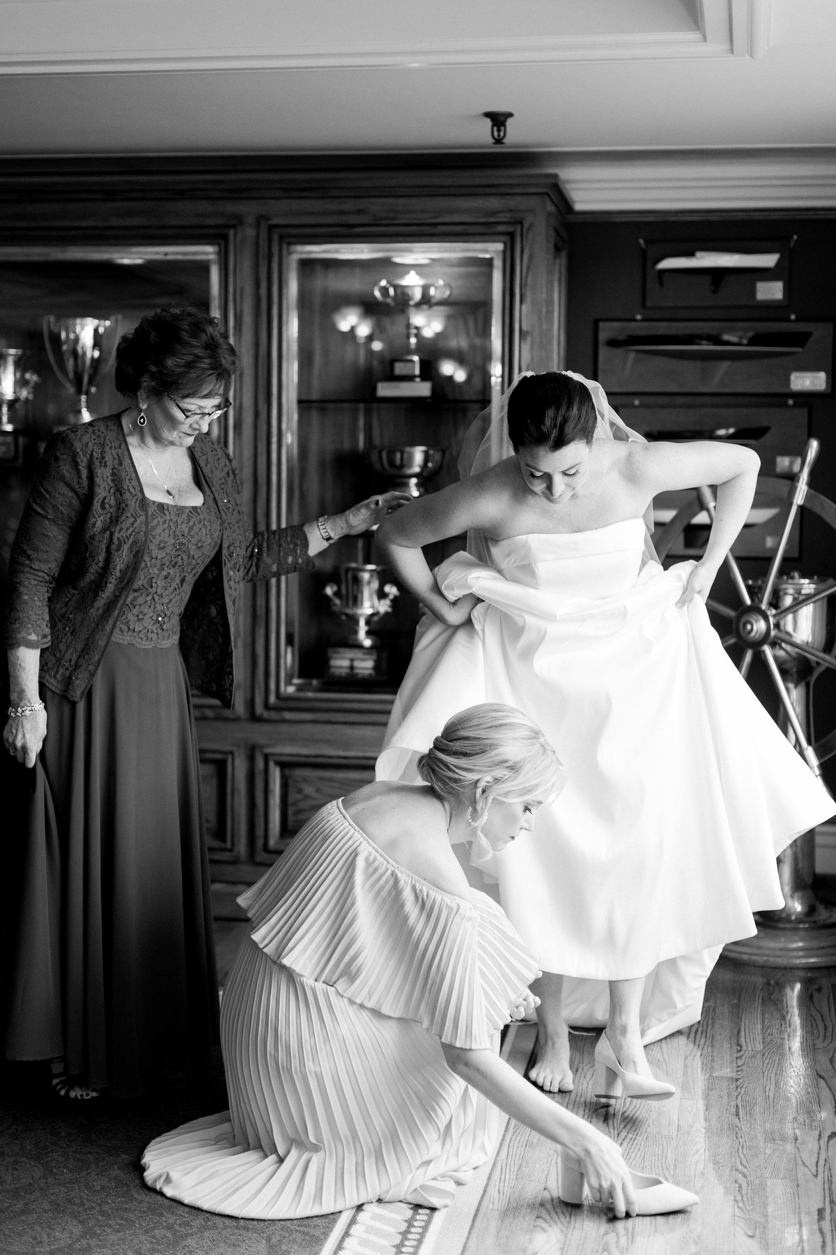 Stamford Yacht Club Wedding Photos By Halie-Bride Prep-73