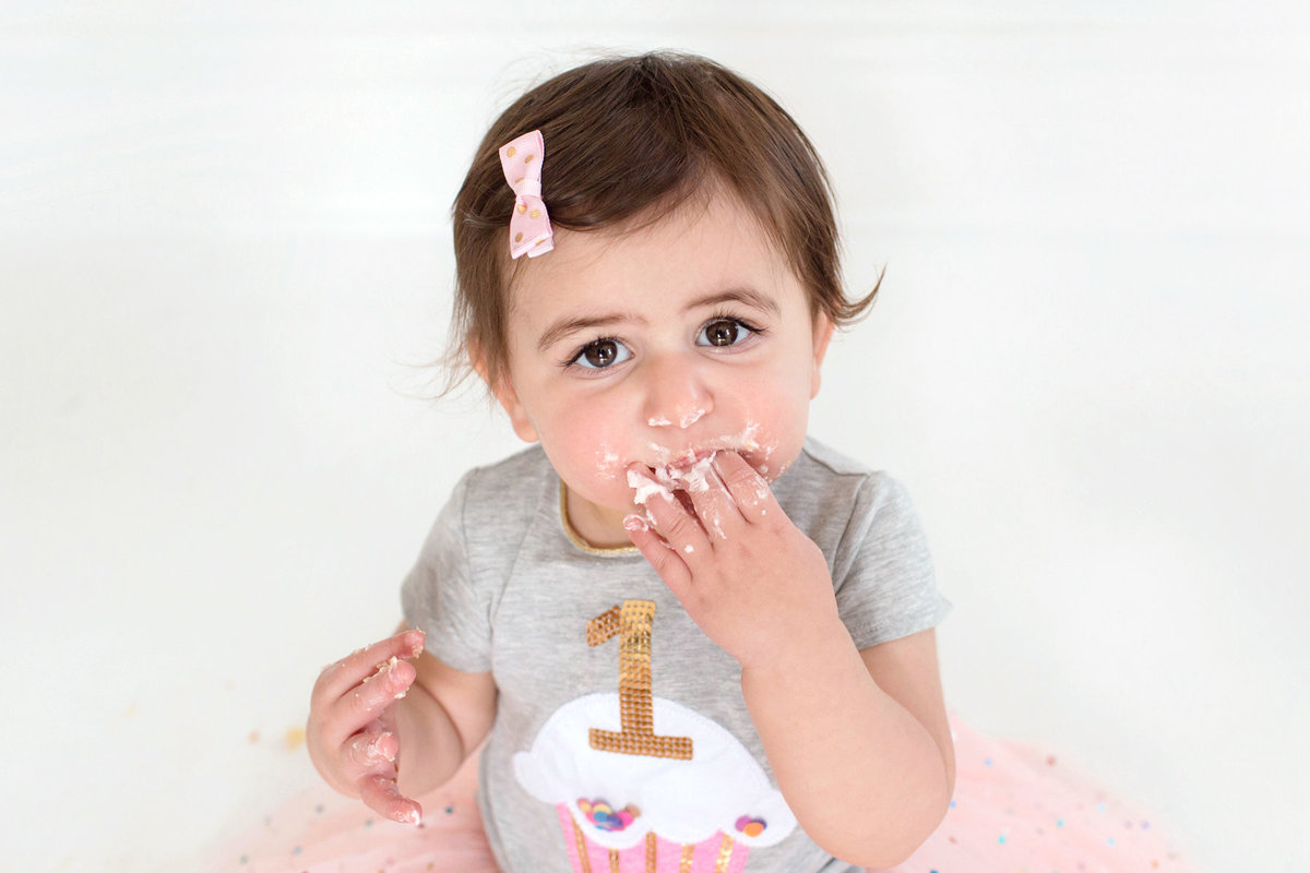 St-Louis-Studio-Child-Photographer-Cake-Smash-1-year-old-Sheth_56