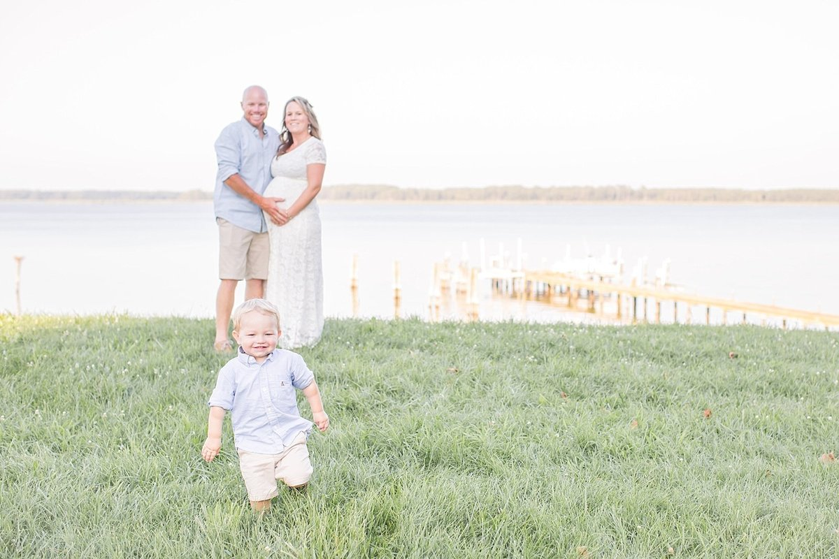 maryland-waterfront-maternity-photo-session-jess-becker-photography_0010