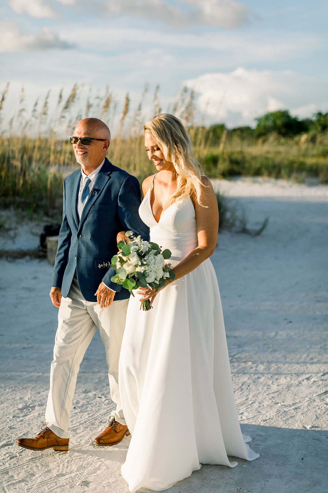 alex-mike-bowditch-beach-fort-myers-wedding-photos-1179