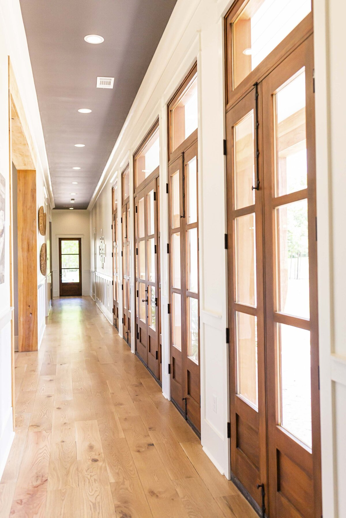 hallway-wood-doors-glass3