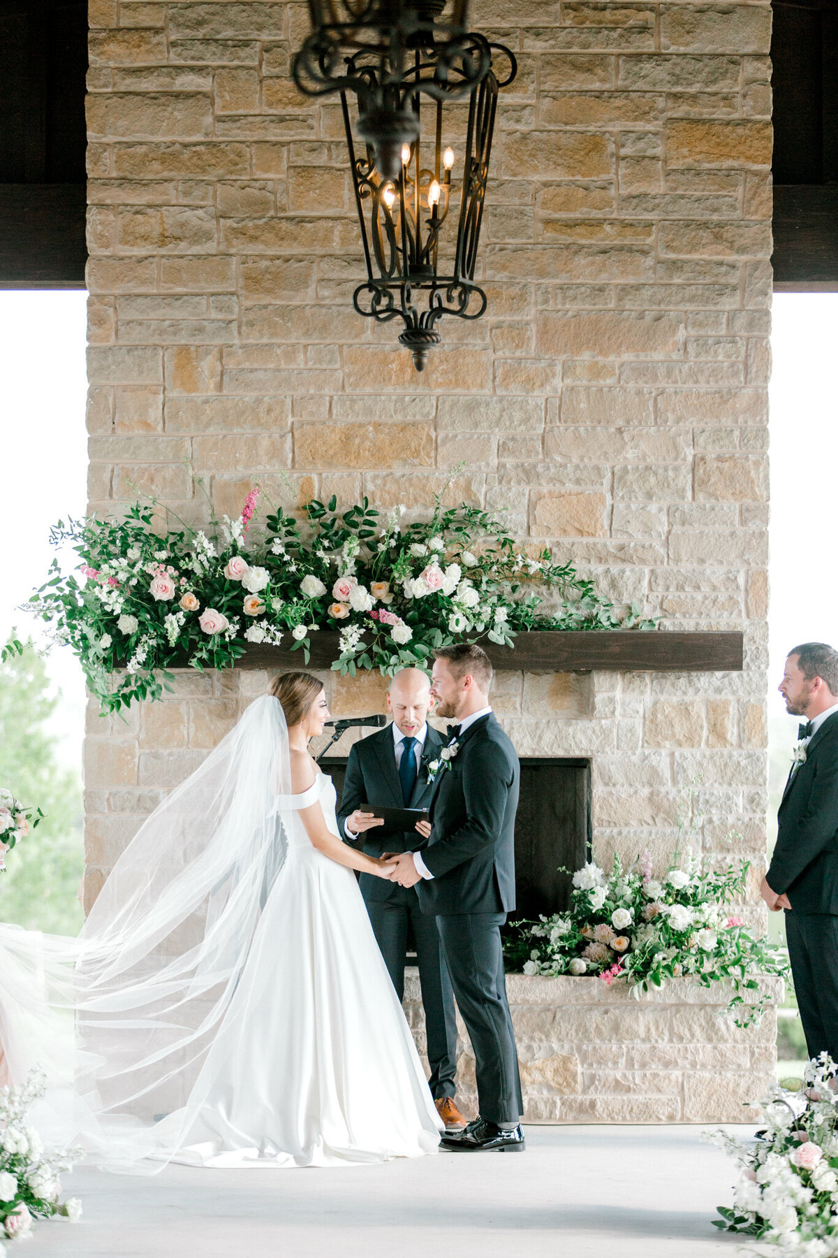 Lexi Broughton & Garrett Greer Wedding at Dove Ridge Vineyards | Sami Kathryn Photography | Dallas Wedding Photography-117