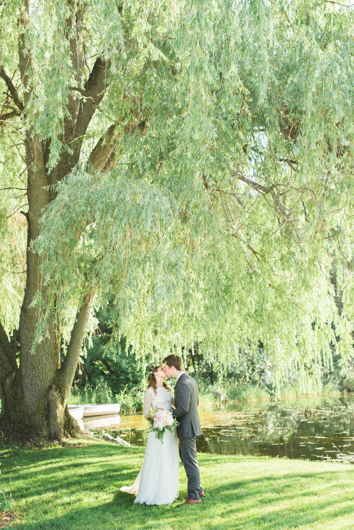 willow tree, wedding ceremony