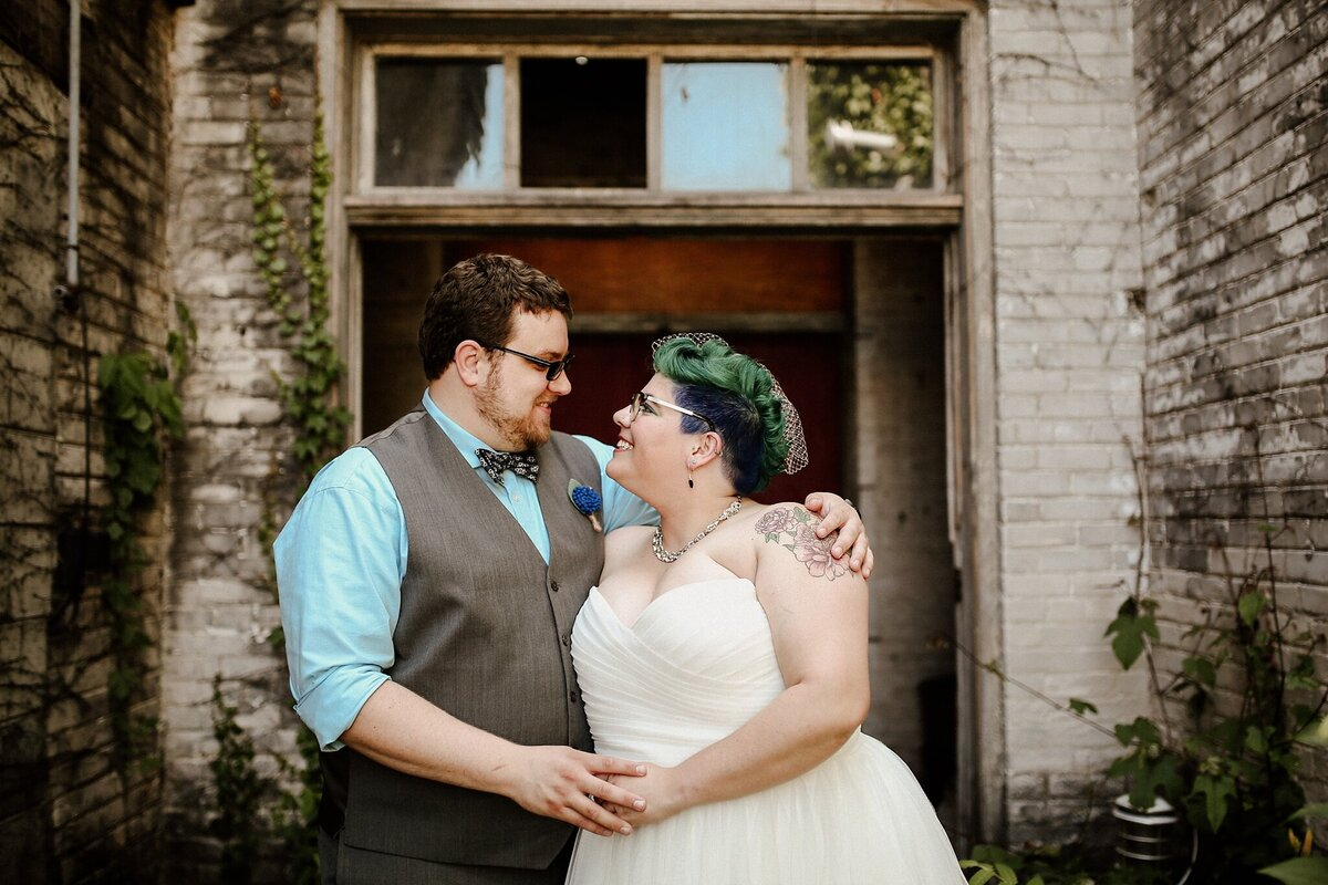 meg-thompson-photography-acorn-theater-three-oaks-michigan-wedding-emily-chris_0007