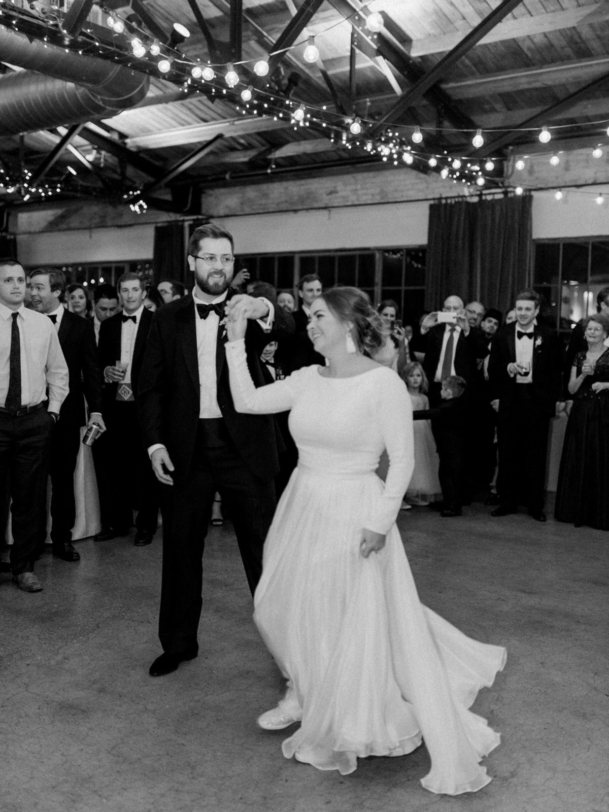 Courtney Hanson Photography - Festive Holiday Wedding in Dallas at Hickory Street Annex-1308