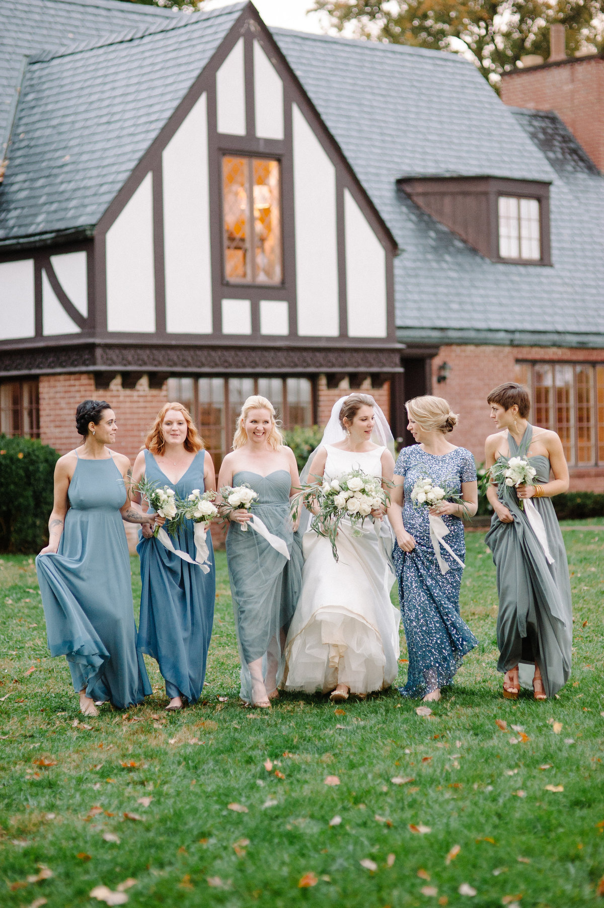 Charlottesville Fall Wedding with wedding planner For Love of Love