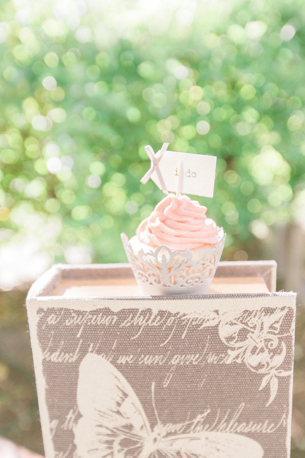 Say I Do Cupcake Flag Topper