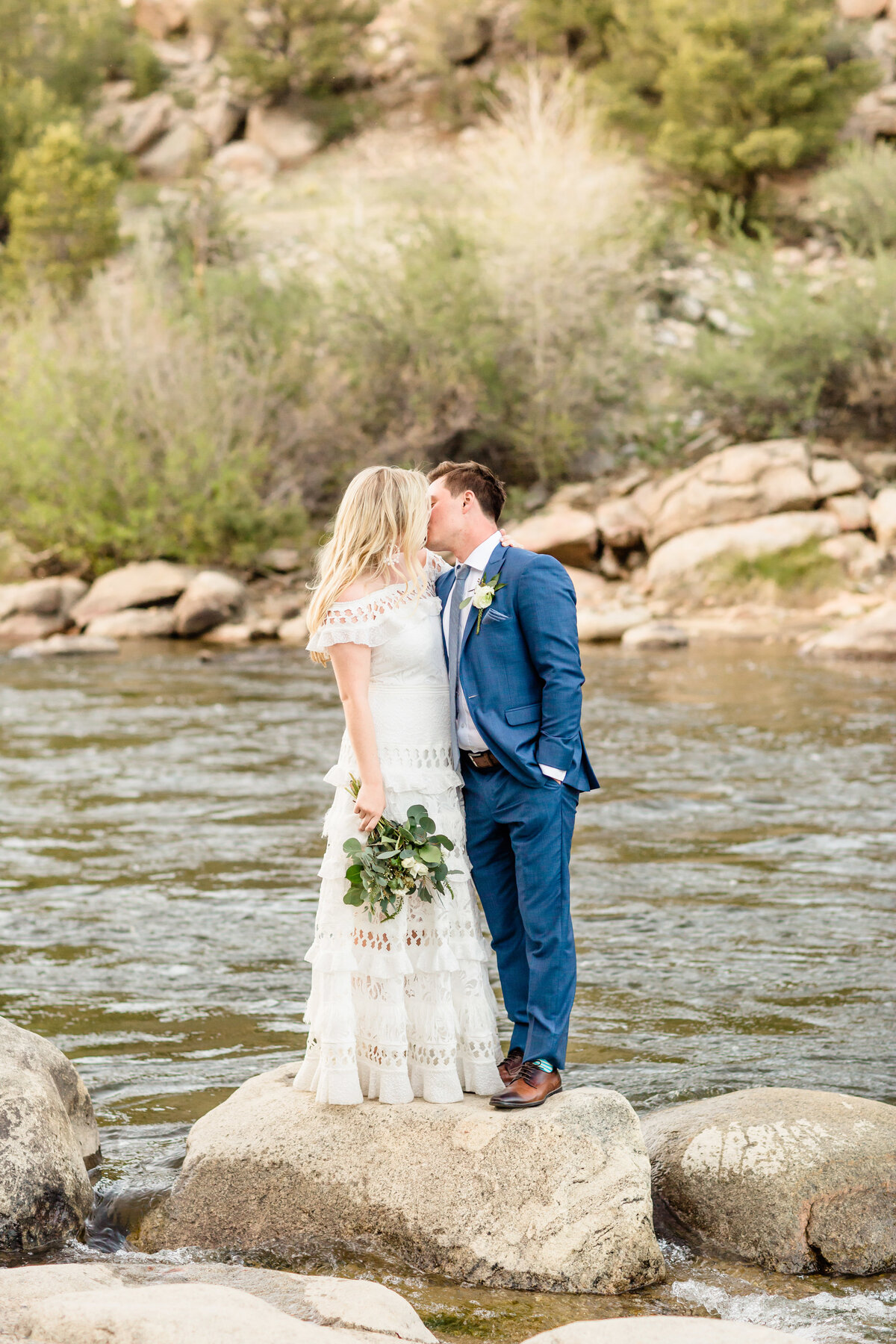 lindsey-taylor-photography-surf-hotel-buena-vista-colorado-destination-wedding-photographer50