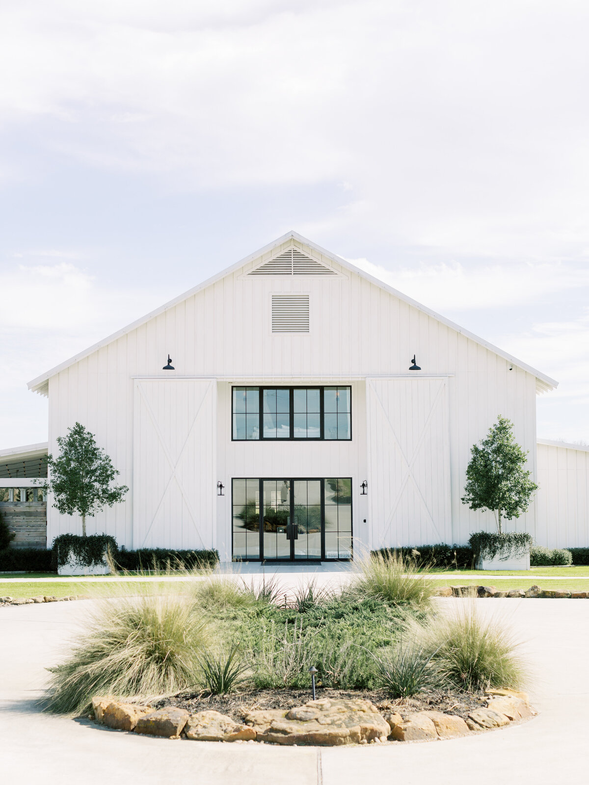 the-farmhouse-wedding-houston-texas-wedding-photographer-mackenzie-reiter-photography-2