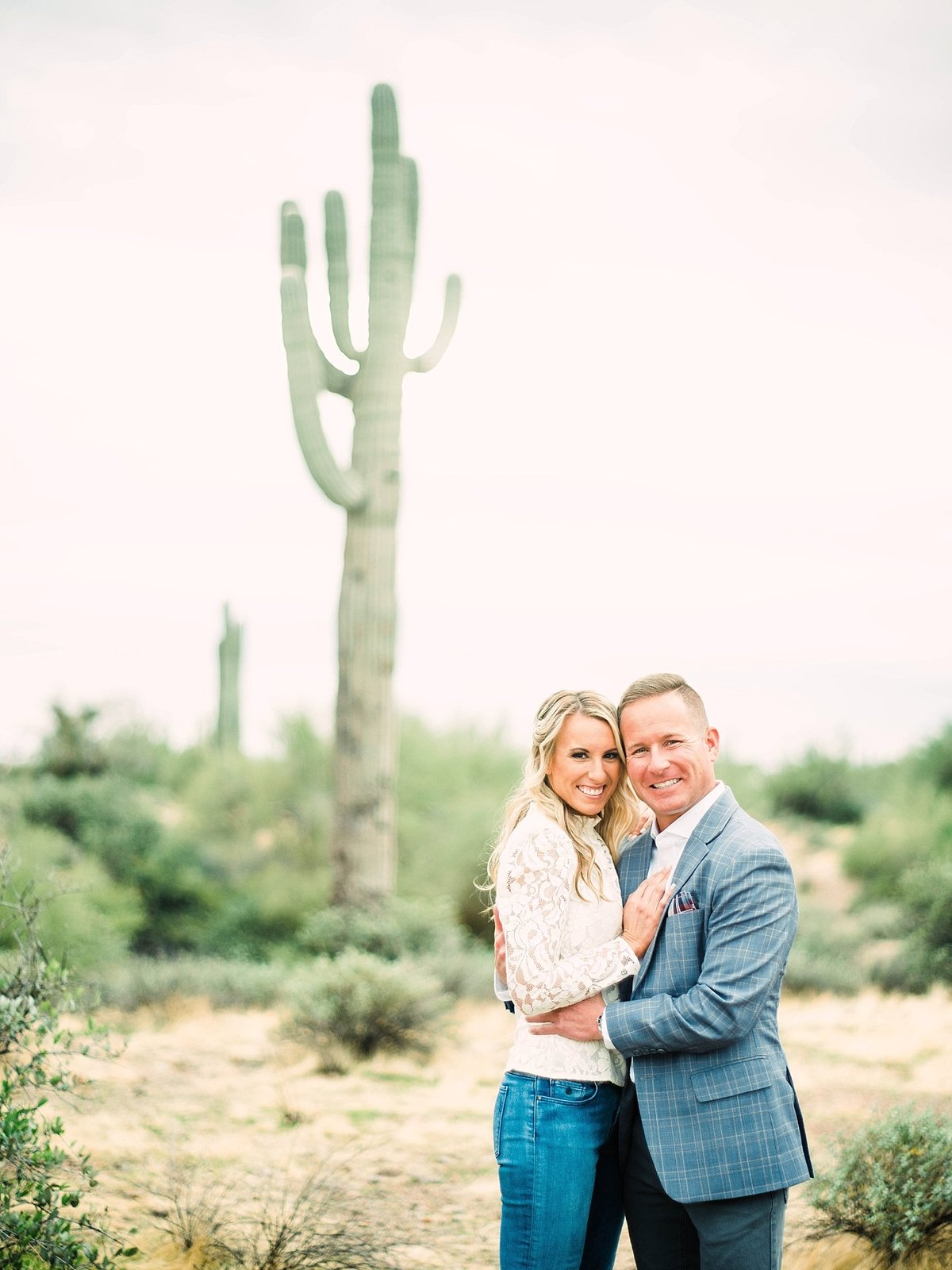 scottsdale-arizona-wedding-photographer-engagement-desert_0046