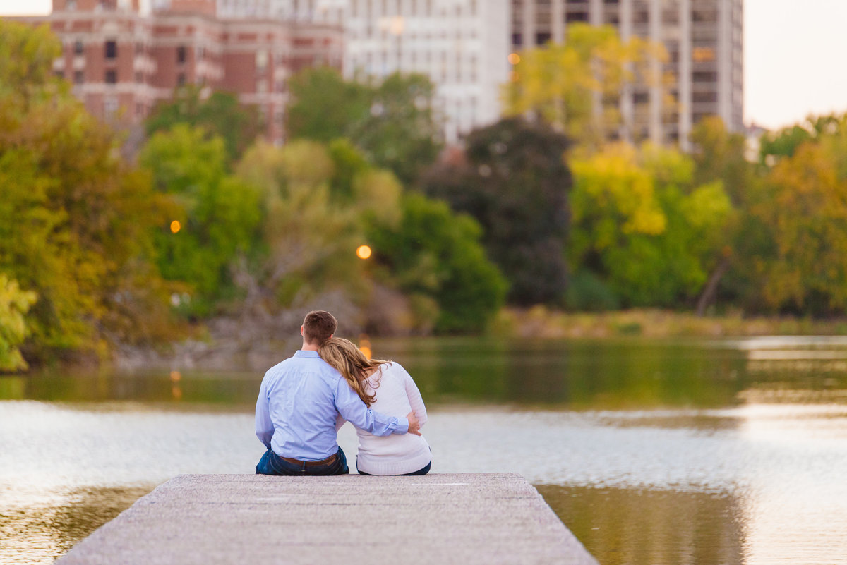 lincoln-park-engagement-chicago-the-paper-elephant-0032