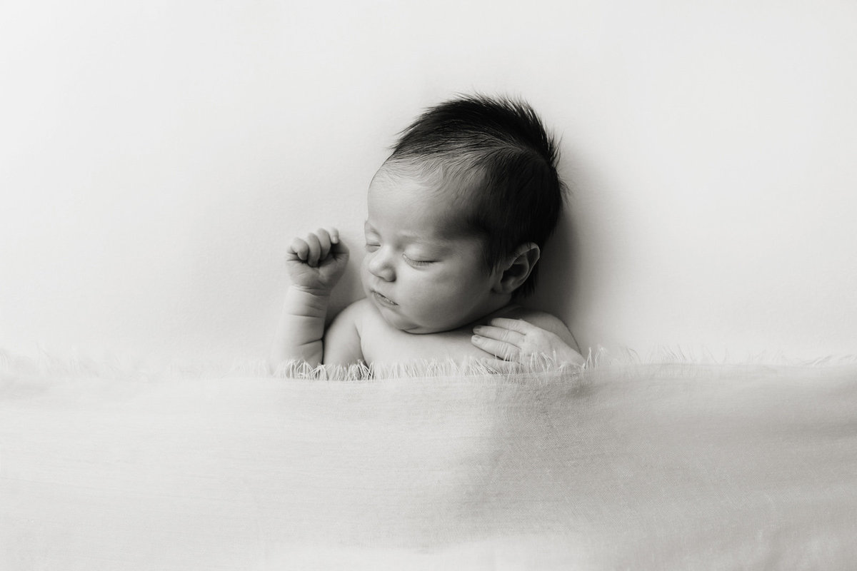Rossi02-baby-photos-newborn-photographer-st-louis