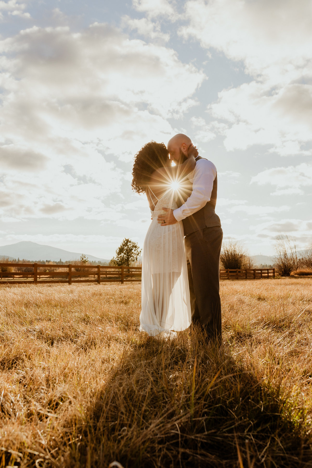 meredith_sands_photography_bend_oregon_destination_portrait_photographer_wedding_elopement_couple -1