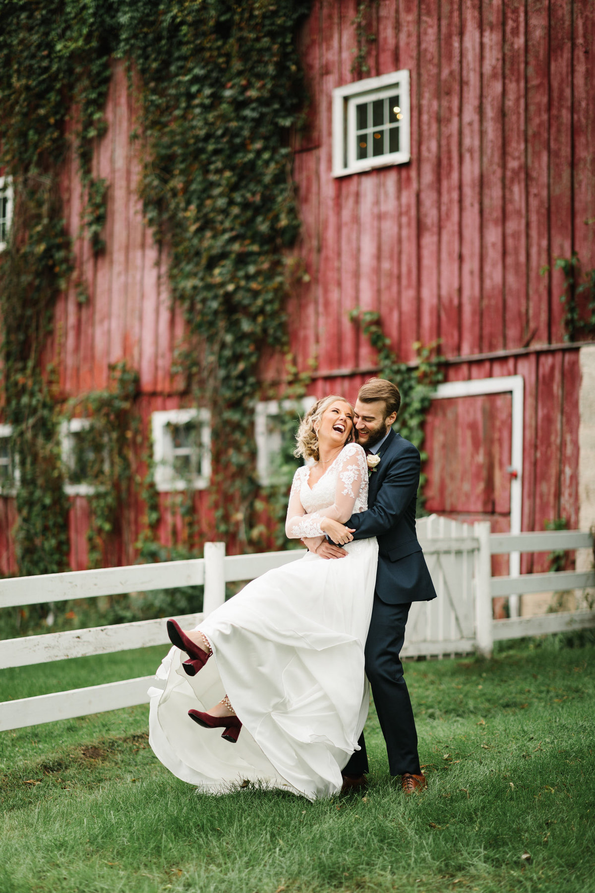 Hope-Glen-Farm-Cottage-Grove-Minnesota-September-Fall-Wedding-25