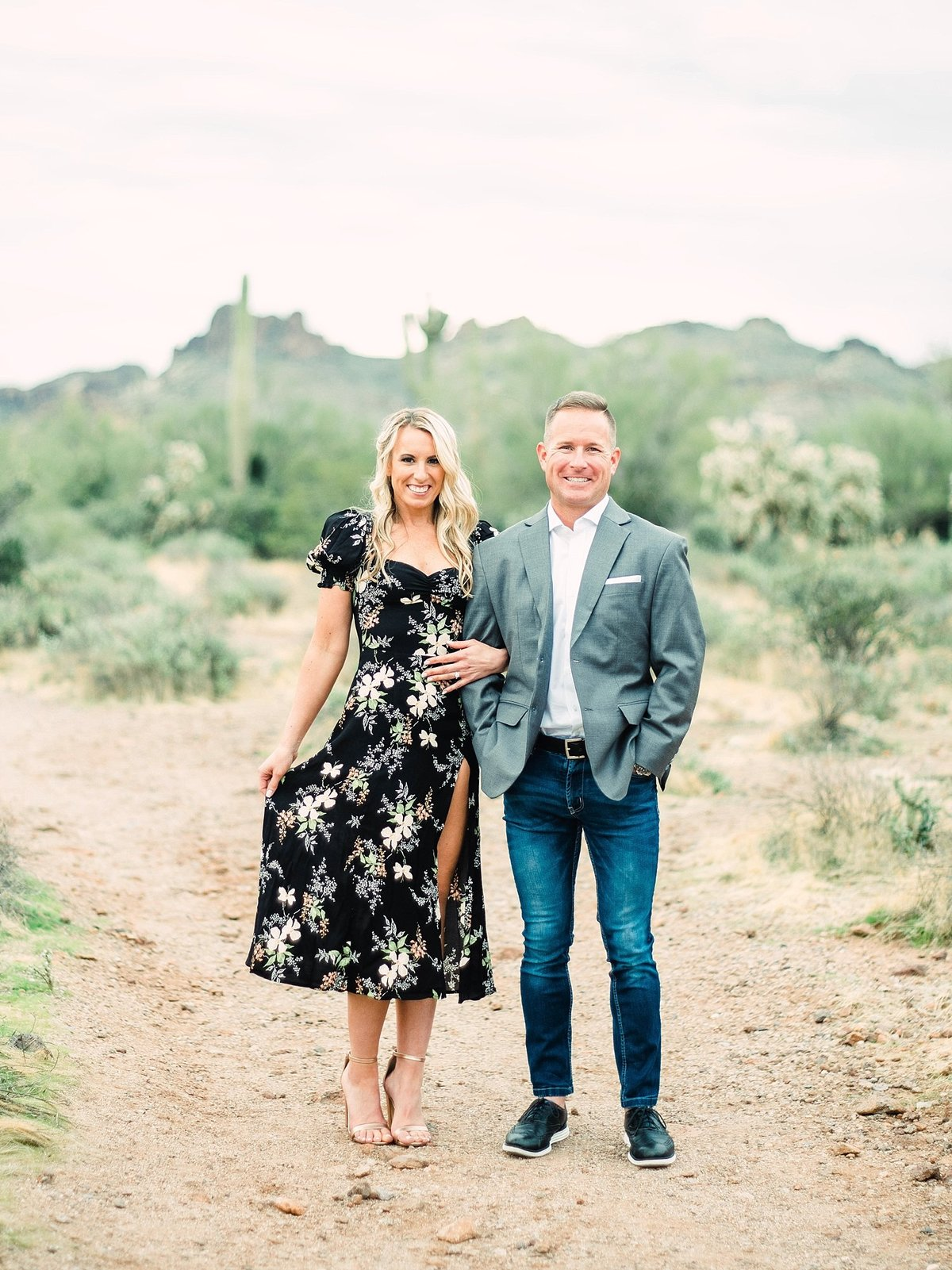 scottsdale-arizona-wedding-photographer-engagement-desert_0072
