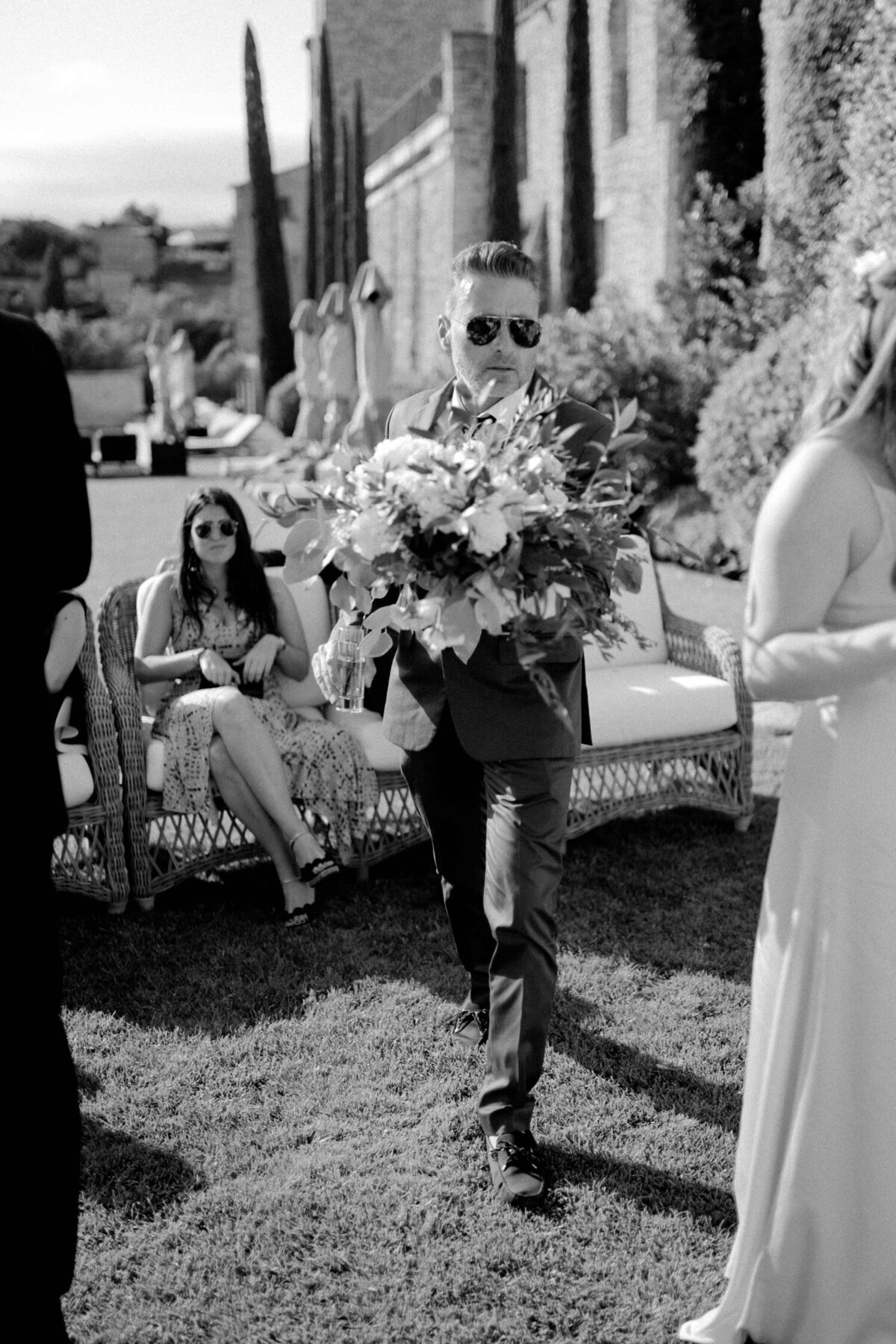 101_Bastide_de_Gordes_Luxury_Wedding_Photographer (109 von 263)