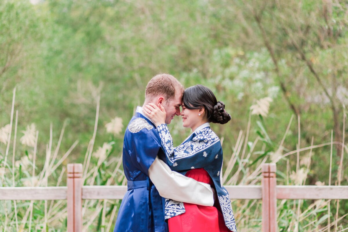 Seoul-South-Korea-Bridal-Engagement-Shoot-Eunpyeong-Village-Hanok-0032
