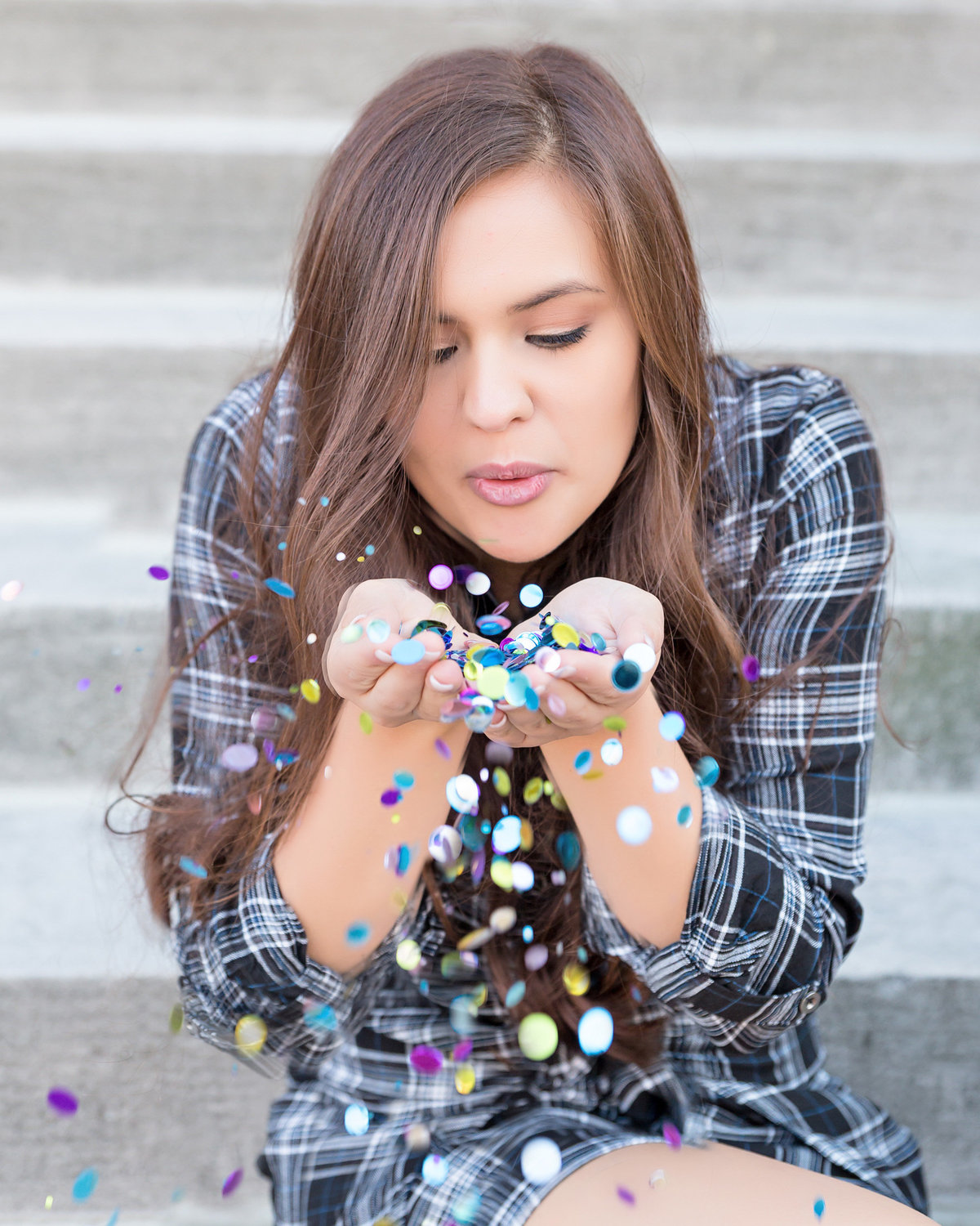 Senior girl-colorful confetti-aqua-magenta-gold