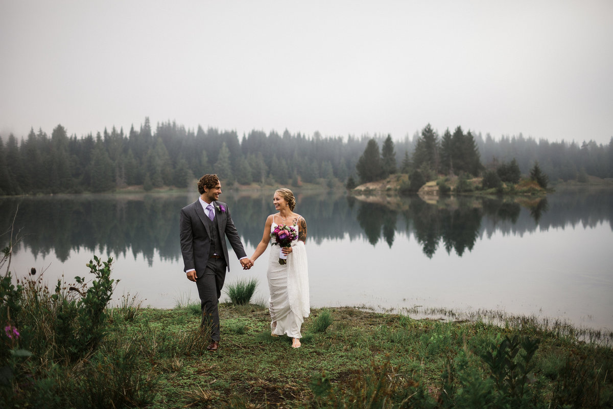 Snoqualmie-Pass-Elopement-Gold-Creek-Pond-38