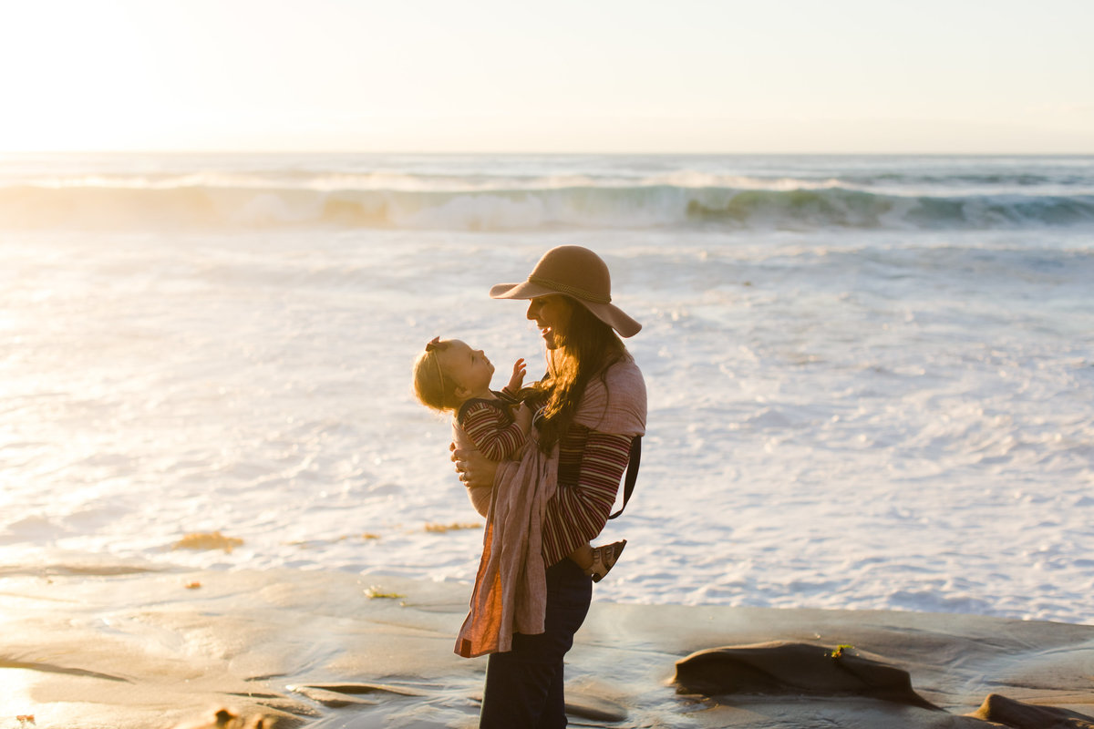 Katherine_beth_photography_san_diego_photographer_san_diego_family_photographer_Windandsea_Beach_004