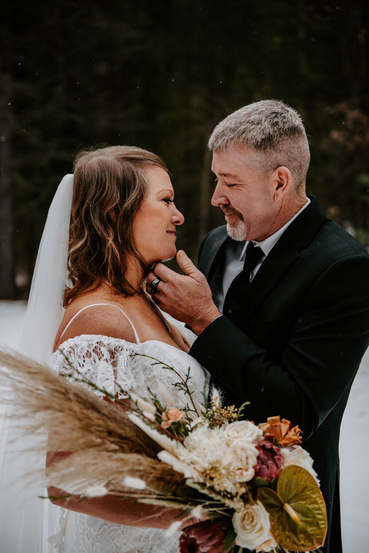 suttle-lake-sisters-oregon-lodge-woods-vow-renewal-photographer-wedding-elopement-2776